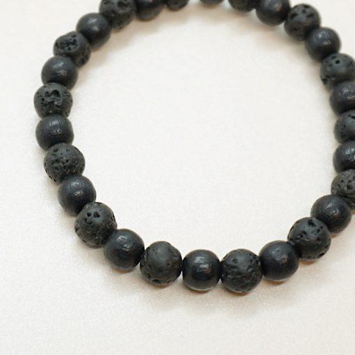 Perlen-Armband mit schwarzen Holz- und Lavastein-Perlen