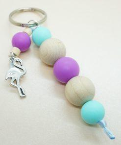 Schlüsselanhänger mit silbernem Flamingo und Silikonperlen