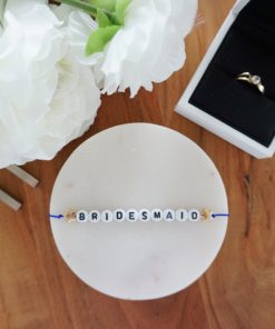Hochzeits-Armband mit Bridesmaid Schriftzug und goldenen Sternen
