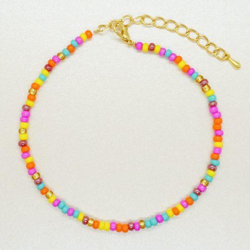 Fußkettchen mit bunten Rocailles-Perlen.