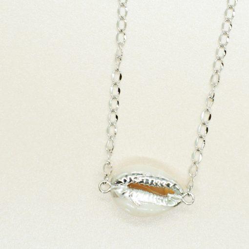 Silbernes Armband mit Kauri-Muschel