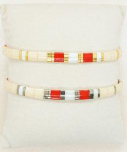 Perlen-Armband mit eckigen Miyuki Tila Perlen in creme und rot.