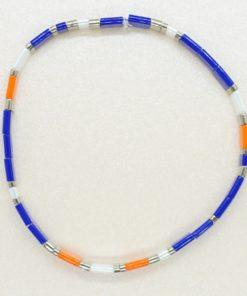Perlen-Armband mit eckigen Miyuki Tila Perlen in blau.