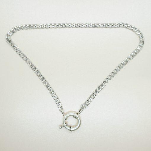 Halskette in gold, oder silber mit Rettungsring-Verschluss.